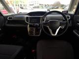 車内空間の広さはピカイチ!圧迫感なく視界も広い為運転しやすい1台です!
