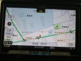 メモリーナビを搭載、検索が早く詳細地図も入っているので初めて行く場所でも道に迷うことなくて安心です。また、地デジTVを高画質で楽しめます。