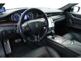 クアトロポルテ GT S リアエンタメシステム スカイフックサス