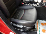 ■ 装備7 ■ レザーシート|運転席、助手席シートヒーター|SRSサイドエアバッグ