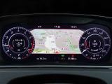 ★高解像度の大型カラーディスプレイメーター搭載! ★中心部にナビや車両情報など様々な情報を表示することが出来る先進的な装備です♪