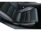 運転席、助手席共に大きな傷等もなく、使用感もなく良好なコンディションを維持しております。