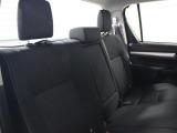 後席も寛ぎの空間が確保されています。