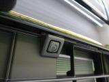 【全方位カメラ】装着車。空の上から見下ろすような視点で駐車が可能。前後左右の周辺状況を把握でき、安心して駐車が可能です!