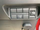 ヘッドライトの光軸調節ダイヤル、アイドリングストップの操作スイッチ☆