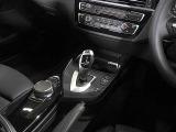 BMW純正iDiveHDDナビ/SOSコール、ミュージックサーバー、Bluetoothオーディオ、ハンズフリーフォン付き。
