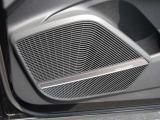 バング&オルフセンサウンドシステムで、ドライブは更に快適に。良い音聞いて出かけましょう。