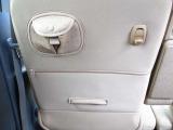 ☆助手席シートバックには荷下げフックとポケットがあります。