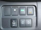 【両側オート&ハンズフリー】キーでの操作やキーを持ってさえいればドア下に足を入れて開け閉め可能なハンズフリー機能付きです。お子様を抱っこされている時や荷物の多い時などとっても便利ですね!