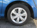 純正タイヤです。タイヤサイズは、185/60R15です。