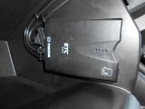 グローブボックス内にETC車載器が付いています!再セットアップをしてお納めいたしますので、ご納車後すぐにお手持ちのETCカードでご使用頂けます。ETC利用してお得なドライブをお楽しみください!