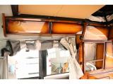 上部の収納棚もありますので小物などの収納も可能となり紗那意をスッキリ綺麗にご利用できます