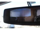 常時映るミラーモニターが装備されており、後退時はもちろん後続車の確認にも役立ちます。