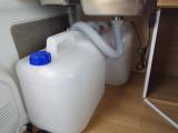 給排水タンクはシンクの下に収納可能です!!