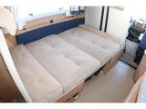 ダイネット部もベッド展開可能です。
