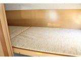 上段ベッドは180cm×75cm
