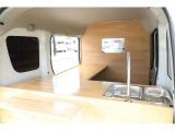 NV100クリッパー 移動販売車 キッチンカー カウンターテーブル 2槽シンク