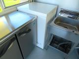 冷凍ストッカー完備!容量100Lで上開きで使いやすい構造です!
