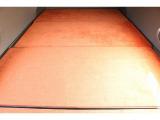 ポップアップルーフベッドサイズ 211cm×117cm こちらも大人2名の就寝が可能☆計
