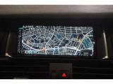 純正HDDカーナビゲーションシステムはBluetoothオーディオ、地デジに対応。リヤビューカメラも備わっています。