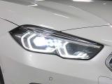 LEDヘッドライト&フロントフォグランプ キセノンに比べて明るさと照射範囲が向上し、消費電力も低減のため省燃費に貢献。