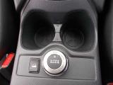 4WDシステム「オールモード4×4-i」とヒルスタートアシストの切り替えスイッチです。