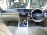 LS600h バージョンL 4WD