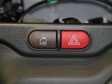前席、後席に配置されたスイッチで開閉可能☆パワースライドドア スイッチ!!