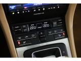 シートヒーターが装備されておりますので、寒い時期でも快適なドライブをお楽しみ頂けます。