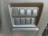 両側電動スライドドアは運転席からも開閉できます