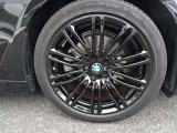 迫力のブラック19インチアルミホイール!スポーティーなデザインも人気のホイールです!