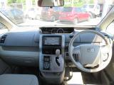 ノア 2.0 X Lセレクション ウェルキャブ サイドリフトアップシート車 手動介護式 4WD