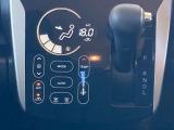 ☆スマートなシフトレバー/オートエアコン付きで暑い夏も寒い冬も車内は快適♪☆