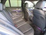 『全席が主役席』となっておりますので、後部座席も快適な乗り心地でございます。まずは実際に乗って頂きお確かめ下さいませ。