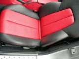 両座席の他、ダッシュボードや内張り等の乾いた艶も年式を感じさせない大きなセールスポイント!