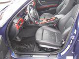 フロントシートヒーター付き黒革シート