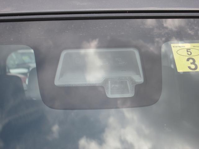 ●フロントシートヒーティング『運転席/助手席共に三段階で調節が可能なシートヒーターを装備しております。季節を問わず快適にご使用いただけます。』