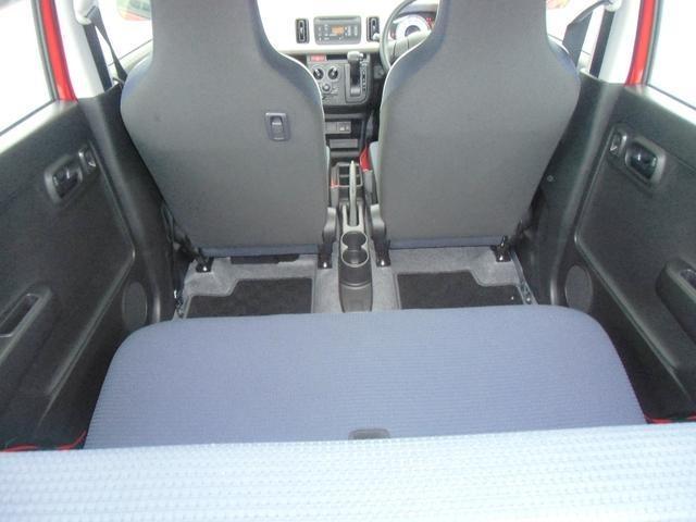 ☆後席も充分なスペースが確保できます。お尻や背中のホールド感が高く疲れにくくなっております♪快適性も充分です☆