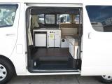 キャンピングカーは当社にお任せ下さい。車両整備は勿論、キャンピング架装部の備品取付、メン